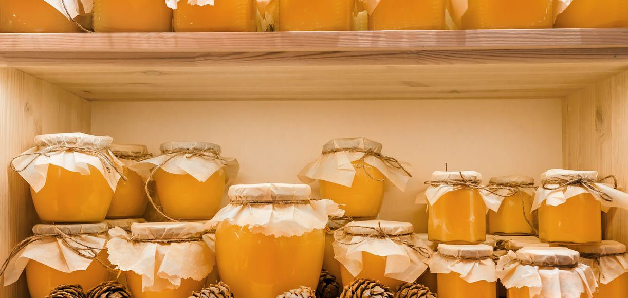 7 Surprising Benefits of Local Honey and How to Get Your Hands on It