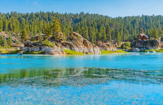 The Best Lakes to Live On in California