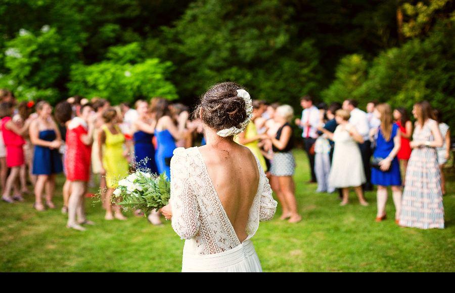 Wedding Guest Survival Guide: 9 Tips to Get You Through Wedding Season
