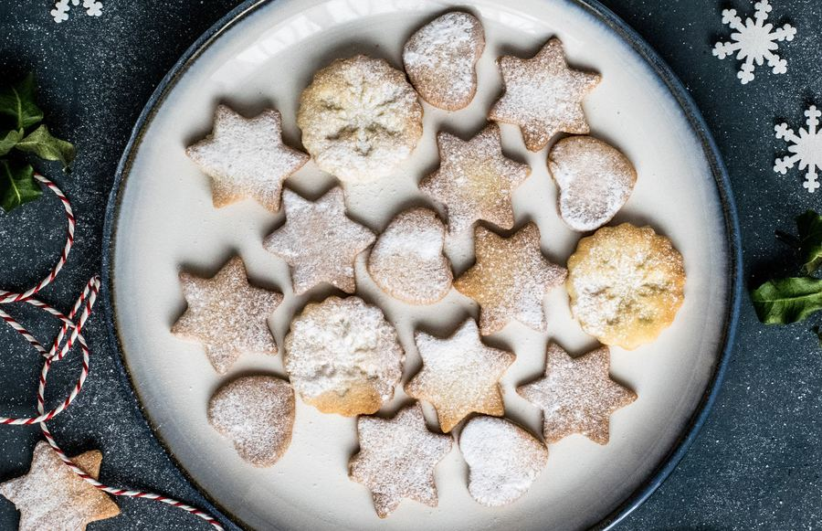 Sweet Treats: Christmas Cookies by California Bakers