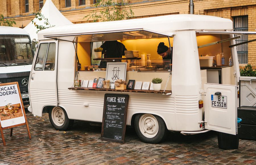 Everything You Need to Know About Having a Food Truck Wedding