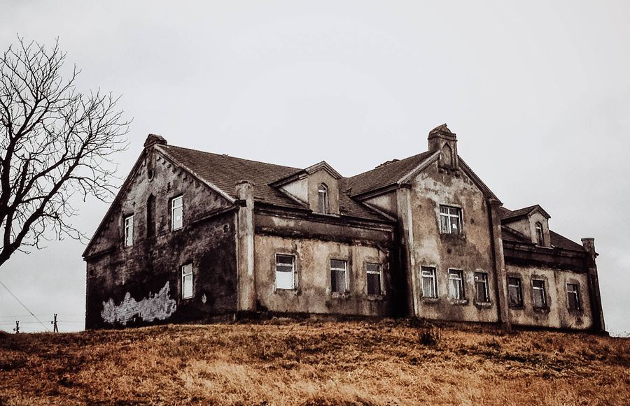 Halloween Haunts: The 7 Scariest Haunted Houses in California