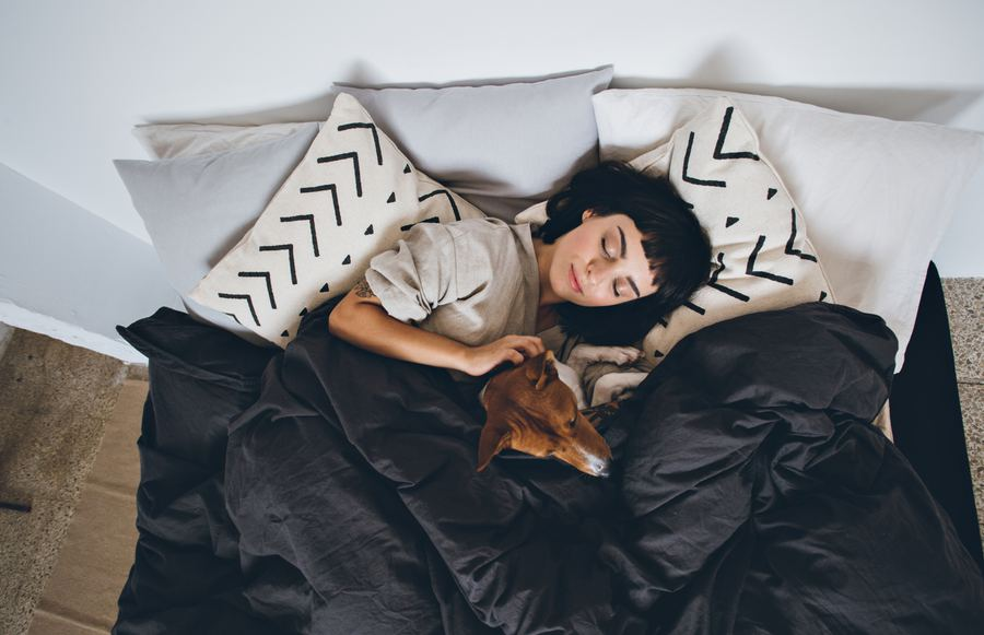 Natural Sleep Remedies to Incorporate Into Your Bedtime Routine