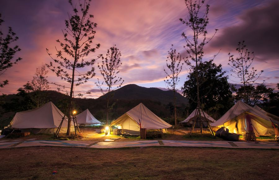 The Winter Glamping Spots That'll Make You Love Sweater Weather