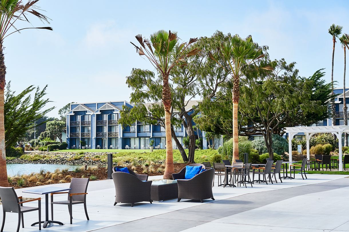Dine alfresco to fully admire the sweeping views of the San Francisco Bay. Photo by Peter Christiansen Valli.