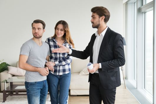 9 Common Real Estate Agent Tricks That Could Convince You to Spend More